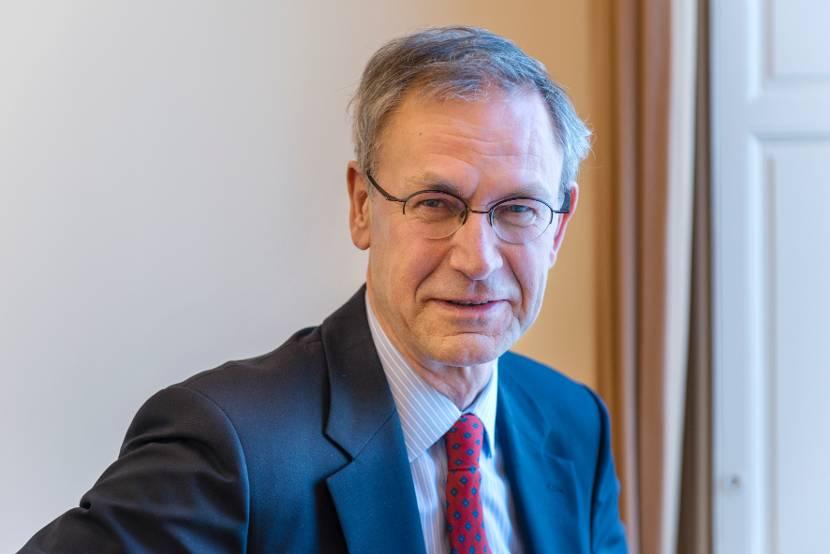 drs. A.H.M. (André) de Jong